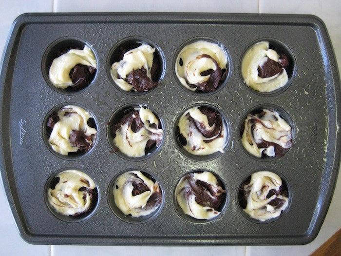 Cheesecake Brownie Bites