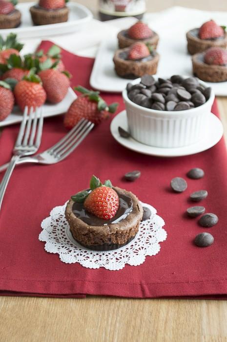 Mini-Chocolate-Strawberry-Cheesecake-4