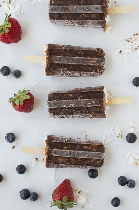Very Berry Coconut Chocolate Pudding Pops | thefirstyearblog.com