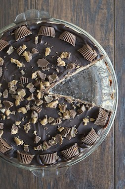 Peanut-Butter-Cup-Chocolate-Pie-10