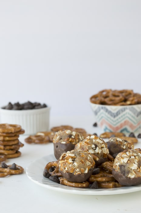 No Bake Chocolate Dipped Cookie Dough Pretzel Bites | thefirstyearblog.com