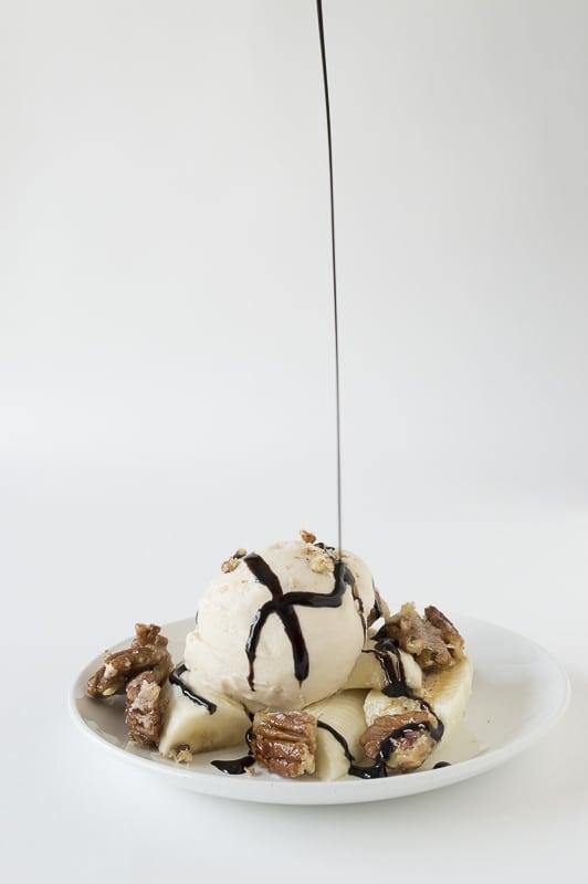 Salted Caramel Sundae with Bananas and Pecan Praline | thefirstyearblog.com