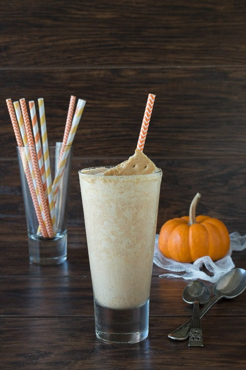 This is a MUST make for fall or thanksgiving! It tastes like everyone's favorite pumpkin pie blended and served in a glass.
