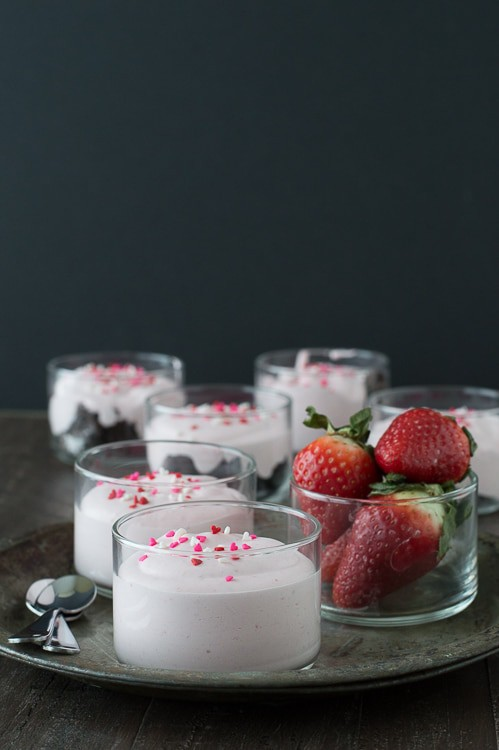 Easy Strawberry Mousse - you only need 4 ingredients to make fresh strawberry mousse! A perfect recipe for Valentine's Day.