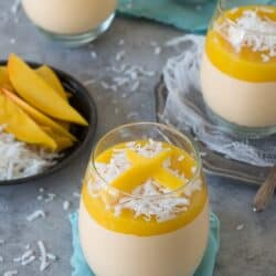 Mango Coconut Cheesecake Jars - no bake mango coconut cheesecake with a layer of fresh mango puree!