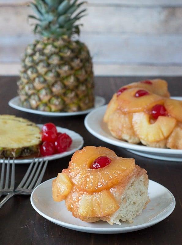 Pineapple Upside Down Monkey Bread - the classic flavors from pineapple upside down cake turned into monkey bread!