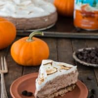 This pumpkin chocolate strata pie has FOUR easy layers and they are all good!!