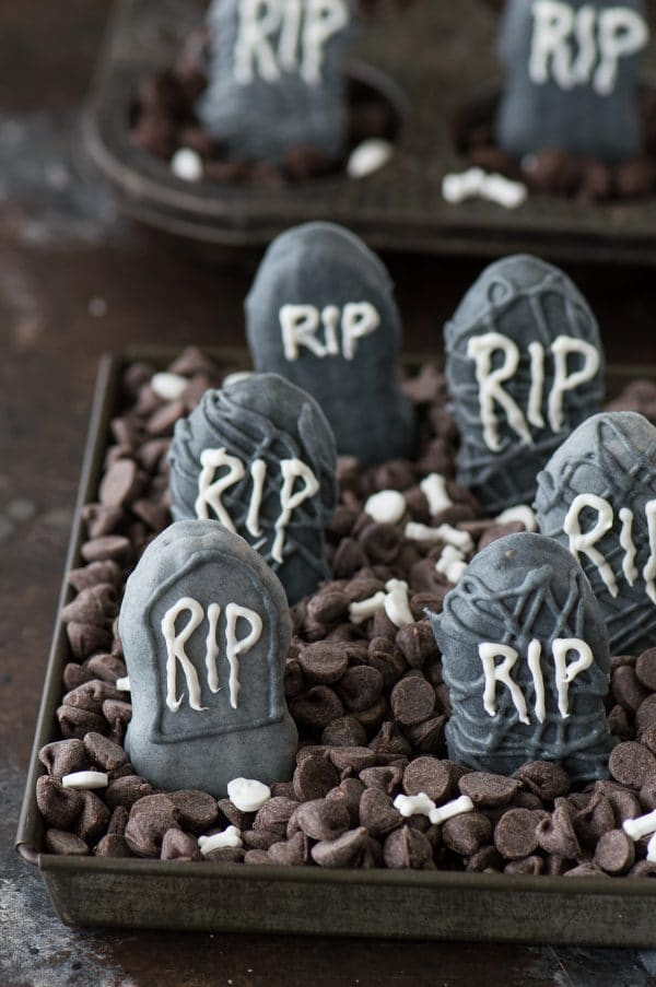 An easy halloween treat - Nutter Butter Tombstones! With a simple idea of how to display them in a graveyard!