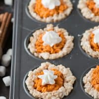 Mini pumpkin pie rice krispie treats are perfect for the fall and thanksgiving! Kids and adults devour these!