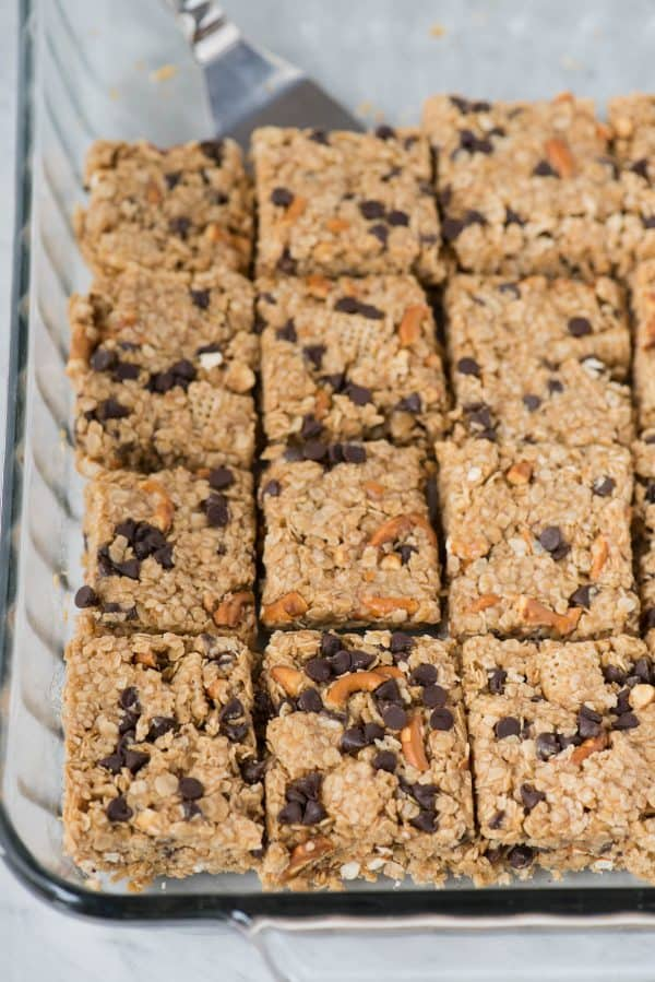 no bake oatmeal granola bars in 9x13 inch glass pan